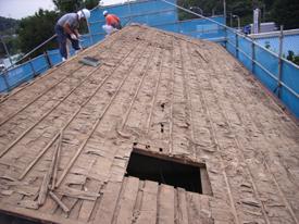 屋根(施工中)